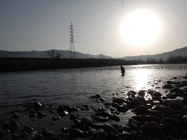 写真8_朝一番高速上流_茶谷君.jpg