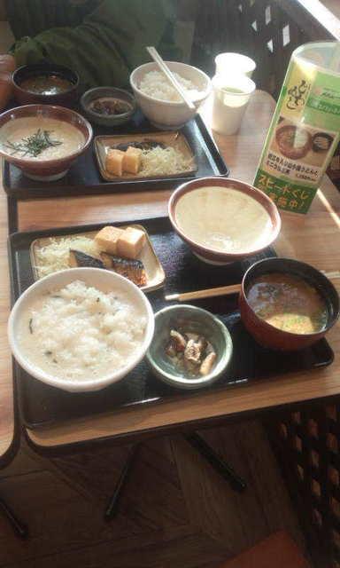 写真2A朝食メニュー麦とろ定食.jpg